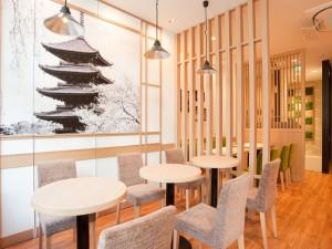 京都を想わせるカフェスペース