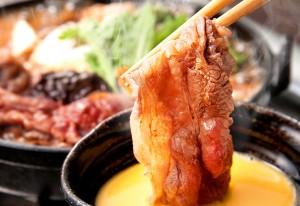 ミディアム・レアでとけるような旨さを味わう桜「肉鍋」