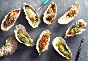 「ロックフェラー」「カークパトリック」「キルパトリック」などバラエティに富んだ焼牡蠣(各290円~)