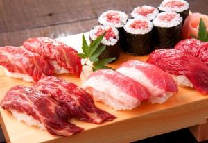 超人気メニュー「馬肉寿司五点盛」1,980円(税別)