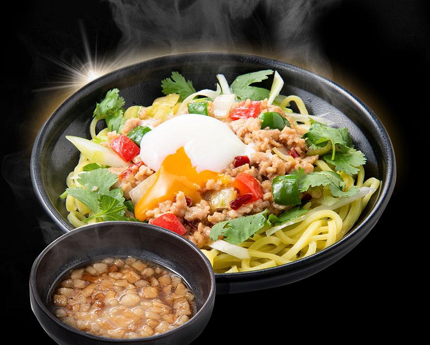 タイ屋台的ガパオまぜそば【並】※茶色いやつは背脂タレ!スープじゃないよ!麺は冷盛(お好みで温めて)#パクチー抜きOK